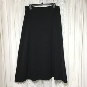 Long black think midi skirt